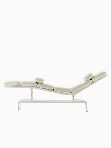 Eames 躺椅