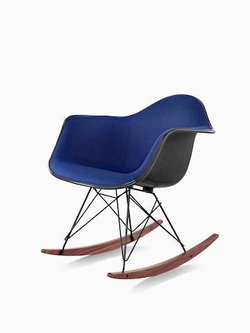 Eames 成型塑料休闲椅 ¥6,364.00