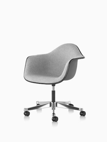 Eames 工作椅