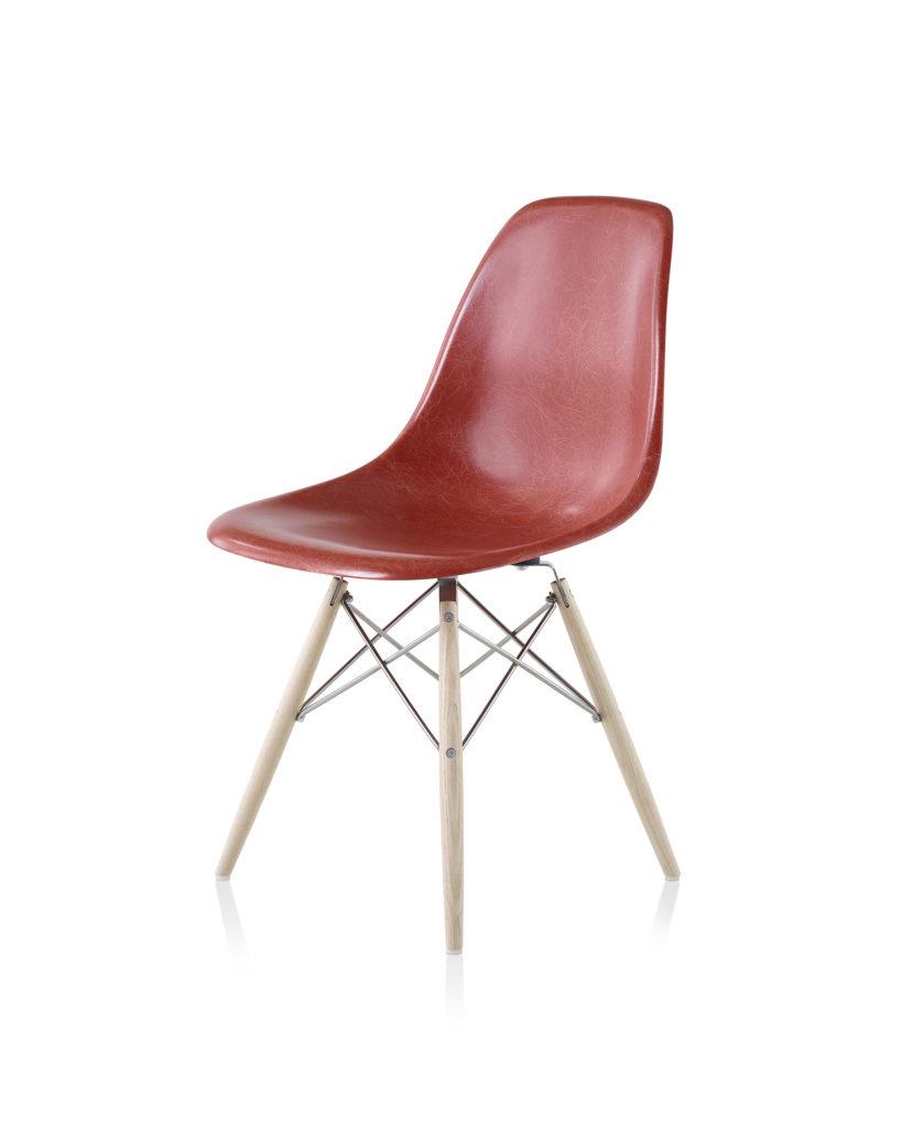 Eames 木质底座玻璃纤维单椅¥ 7,377.00