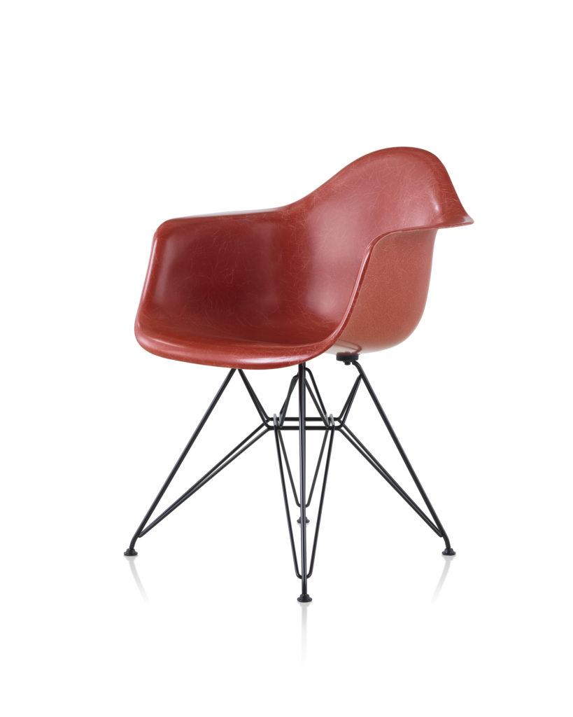 Eames 金属底座玻璃纤维扶手椅¥7,286.00