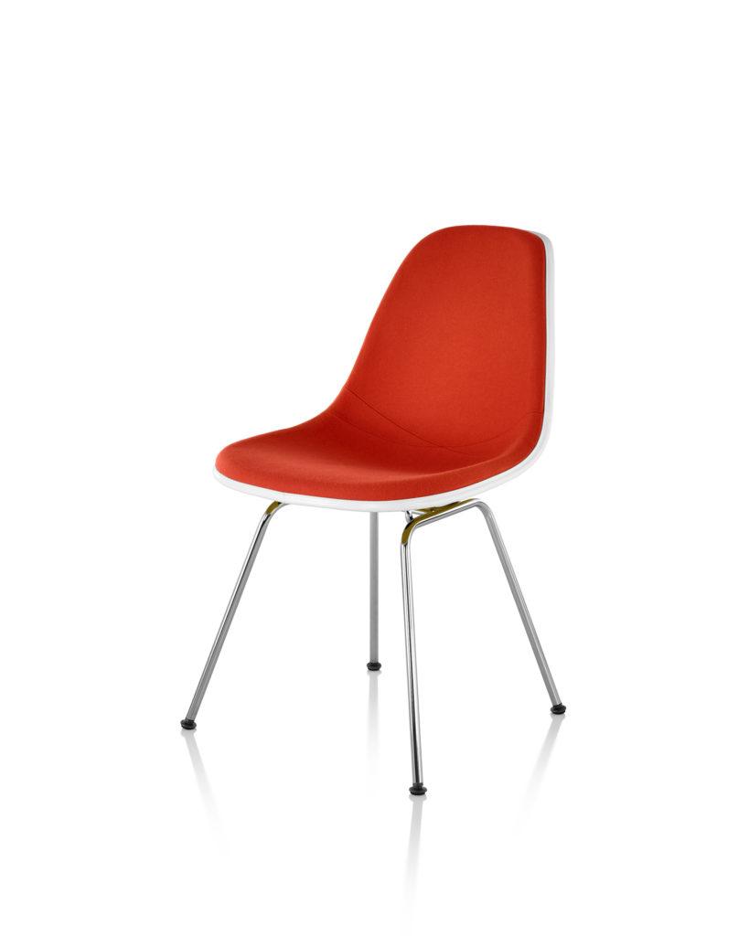 Eames 4腿底座正面软包玻璃纤维单椅