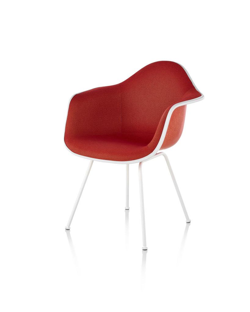 Eames 4腿底座正面软包玻璃纤维扶手椅