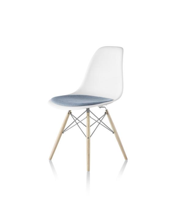 Eames 木质底座塑壳单椅带坐垫