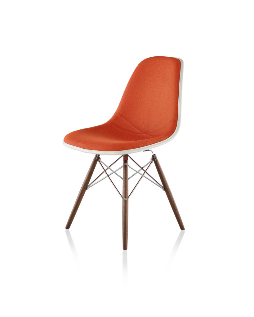 Eames 木质底座正面软包玻璃纤维单椅