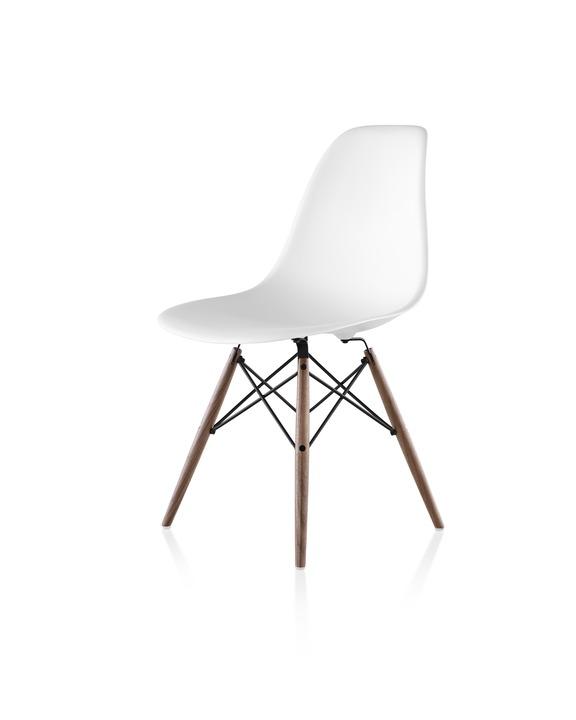 Eames 木质底座塑壳单椅 ¥ 4,809.00