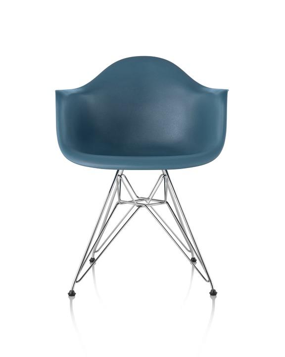 Eames 金属底座塑壳扶手椅¥ 4,719.00